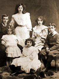 Frank Duff mit Geschwistern