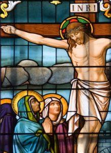 Der gekreuzigte Heiland vertraut seiner Mutter Johannes als Sohn an